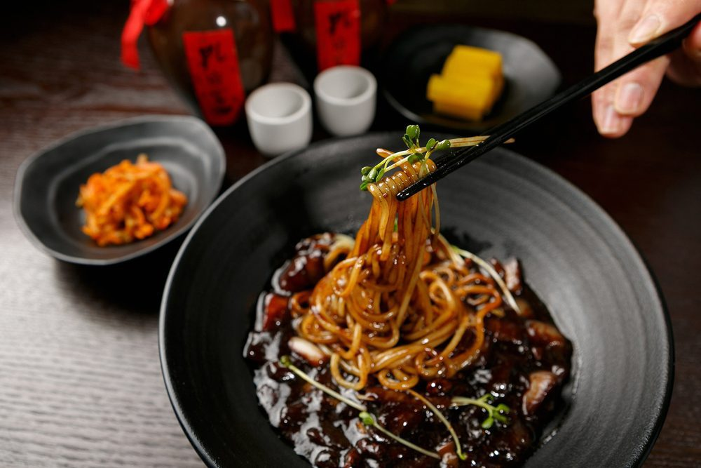 5 Best Instant Jajangmyeon Black Bean Noodles